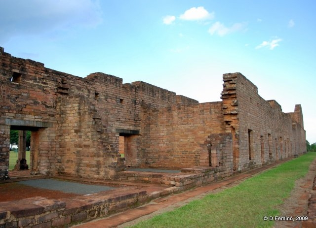 Ruins (Jesús de Tavarangue, Paraguay, 2009)