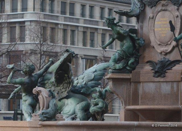 Mendebrunnen fountain (Leipzig. Germany, 2016)