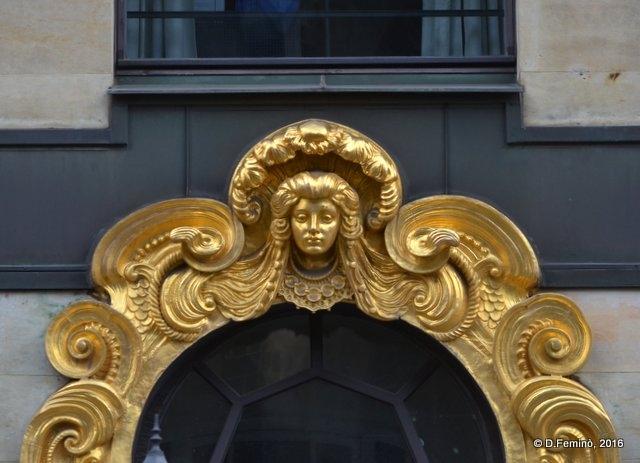 Golden decoration (Leipzig. Germany, 2016)