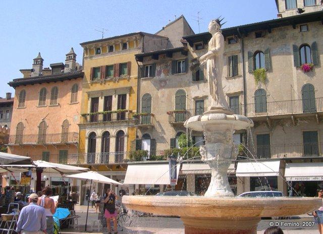 Madonna Verona statue (Verona, Italy, 2007)