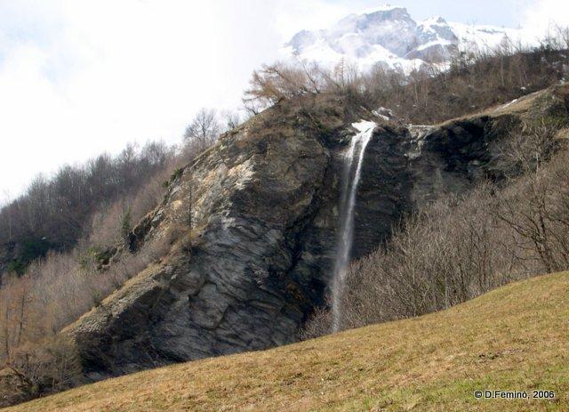 Small waterfall (Leukerbad, Switzerland, 2006)