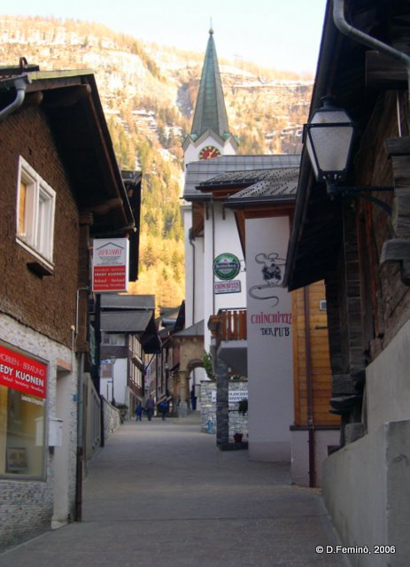 Small street (Leukerbad, Switzerland, 2006)