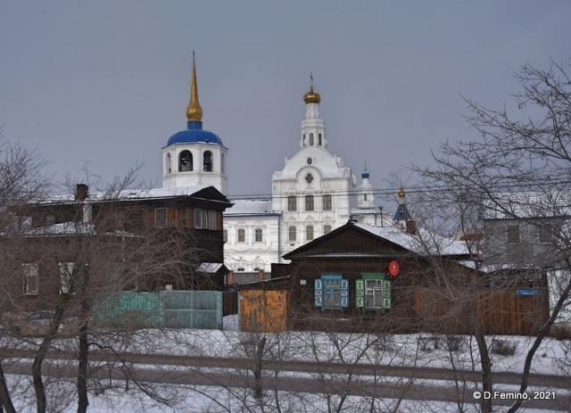 Houses and domes (Ulan-Ude, Russia, 2021)