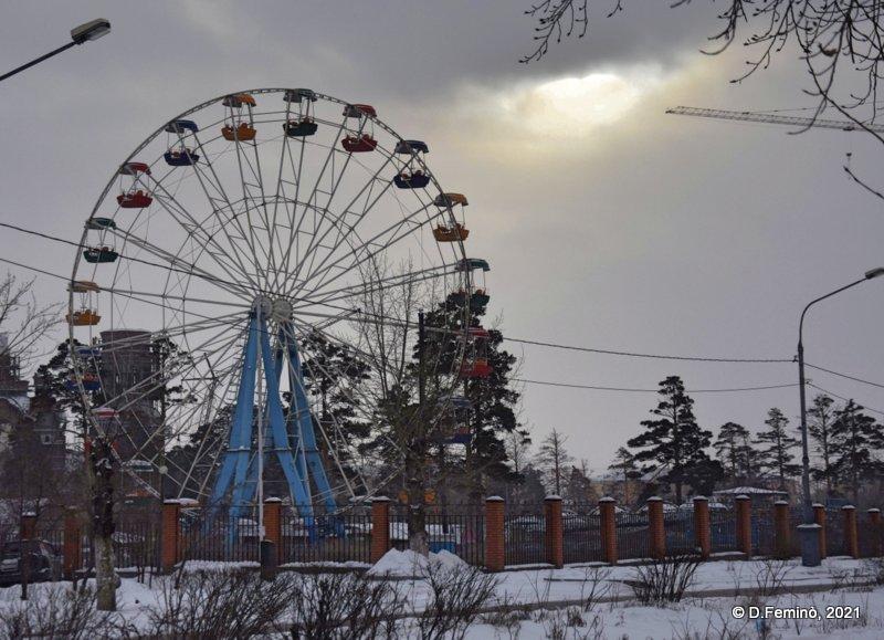 Sleeping ferris wheel (Ulan-Ude, Russia, 2021)