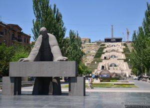 Statue of Alexander Tamanian (Yerevan, Armenia, 2013)