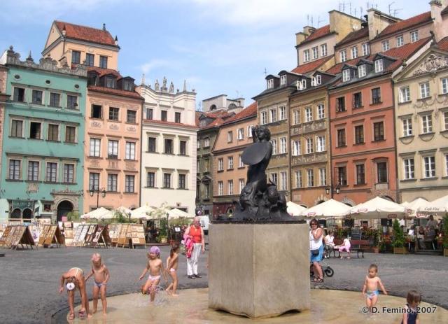 Old market (Warsaw, Poland, 2007)