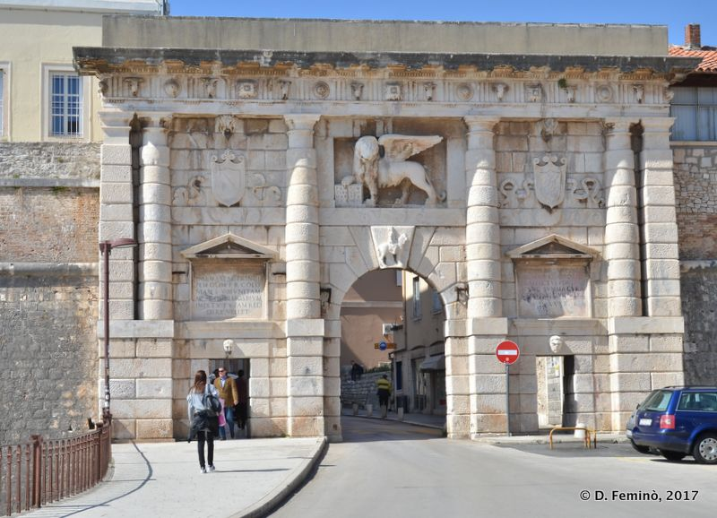 Main gate to old town (Zadar, Croatia, 2017)