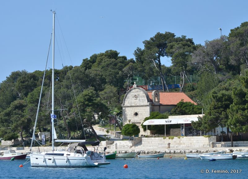 Stella Maris Church and boat (Hvar, Croatia, 2017)