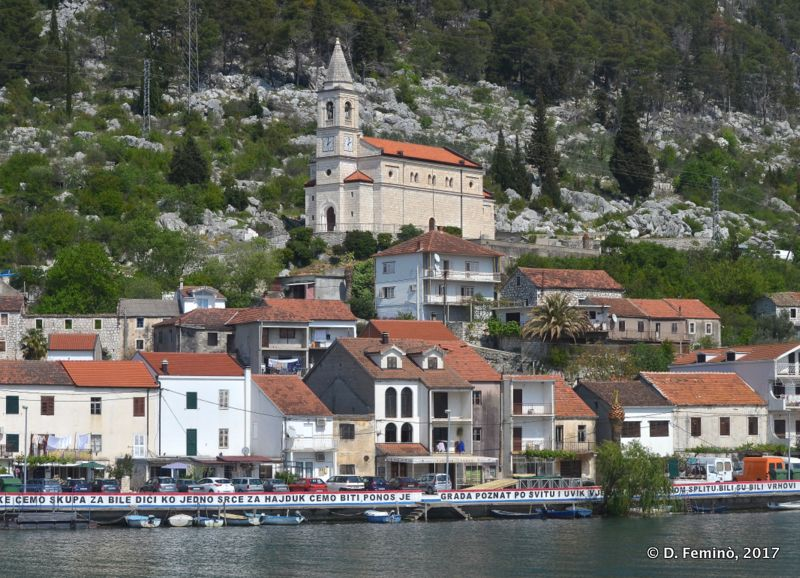Houses by Neretva river (Komin, Croatia, 2017)