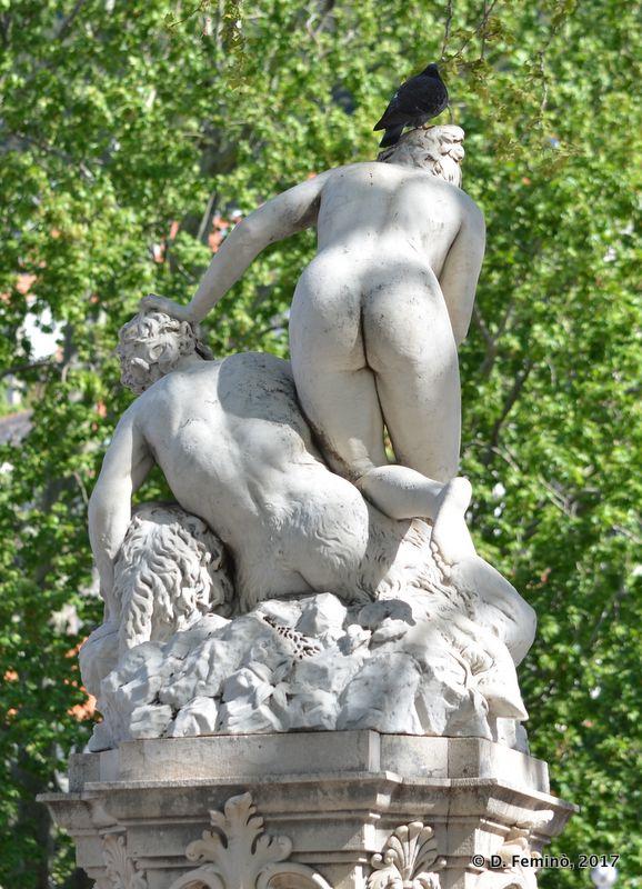 Back of statue (Dubrovnik, Croatia, 2017)