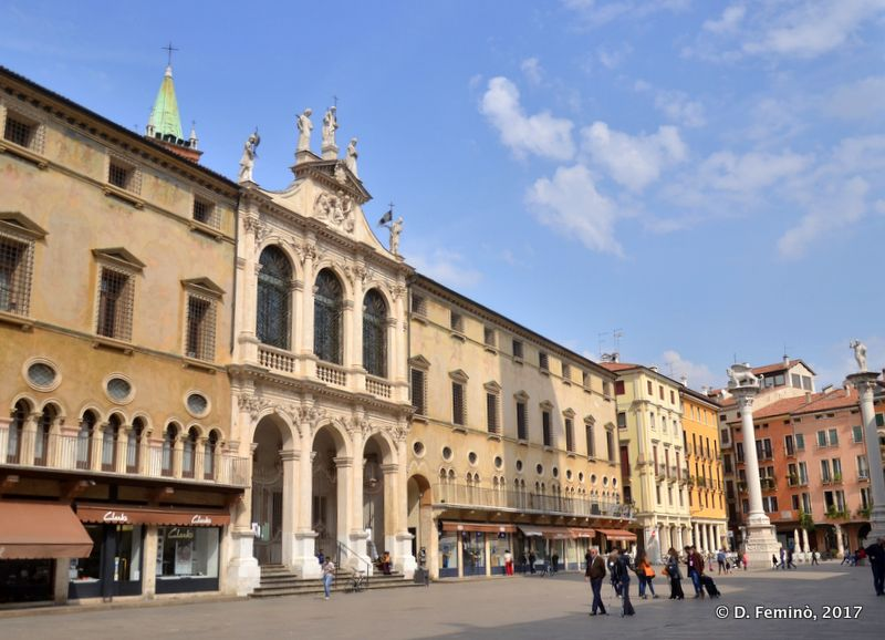 Noble buildings in Signori's square (Vicenza, Italy, 2017)